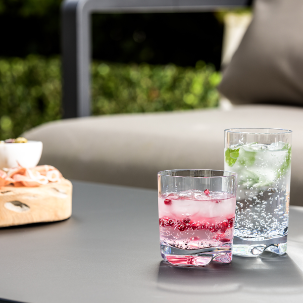 STRAHL IS THE WORLD'S ORIGINAL ALTERNATIVE TO GLASS.
